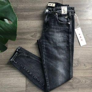 Amo Twist Jeans Vixen Destroy Wash Size 27